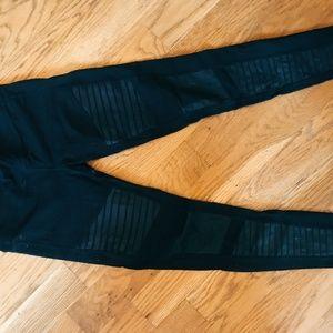 Alo Yoga Moto Legging (Black)